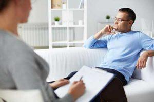 به کدام یک مراجعه کنیم؟ روانشناس، روانپزشک یا مشاور؟