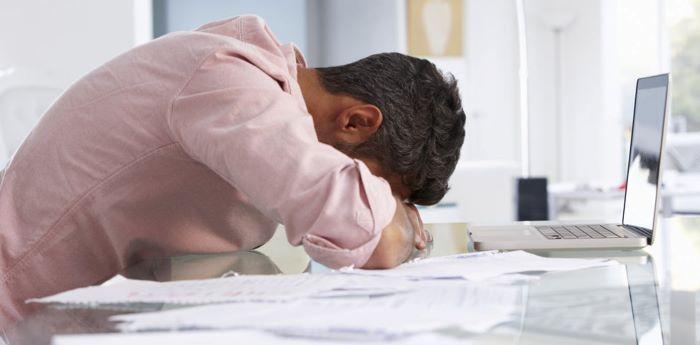 غلبه بر کمال گرایی شغلی با ۴ استراتژی کاربردی و مؤثر